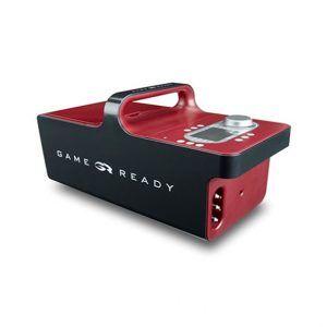 GameReady GRPro 2.1 Terapia zimnem i kompresją – system dwukomorowych ściągaczy. System chłodzenia GameReady to zestaw oparty na technologii kosmicznych skafandrów NASA. Całość zapewnia terapię przerywanych ucisków pneumatycznych jednocześnie z dostarczeniem terapii chłodzenia w uszkodzone – kontuzjowane miejsce. GameReady został stworzony w oparciu o badania naukowe nad kontrolowaniem ciśnienia i temperatury w elastycznym materiale oraz badania lekarzy sportowych na temat kontuzji występujących w sporcie. Produkt ten pozwala ludziom ( sportowcom ) szybko powrócić do zdrowia po urazie lub operacji. Przyspiesza okres regeneracji komórek układu mięśniowego i szkieletowego, przez co skraca czas rehabilitacji i odnowy biologicznej.