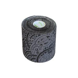 """Dynamic Tape 7,5cm x 5m Eco Tape. Dynamic Tape jest bardzo elastyczną taśma, która rozciąga się we wszystkich kierunkach i ma bardzo silne właściwości """"kurczenia"""". Rozciąga się znacznie bardziej i nie ma sztywny punkt końcowy jak kinezio."""
