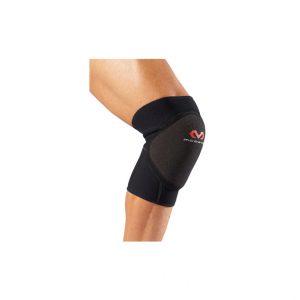 McDavid - Handball Knee Pad. Zaprojektowany specjalnie pod kątem piłki ręcznej, posiada pinkę EVA zapewniającą odporność na uderzeni.