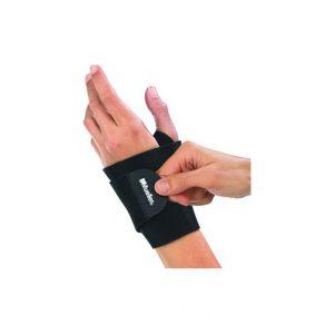 MUELLER-NEOPRENOWA OPASKA STABILIZUJĄCA NADGARSTEK. Neoprenowy materiał zatrzymuje kojące ciepło. Pasek na kciuk ułatwia mocowanie i dopasowanie.