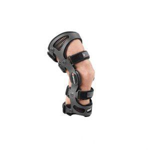 Stabilizator kolana BREG Fusion XT idealnie nadaje się do użytkowania podczas codziennej aktywności jak i podczas uprawiania sportu.